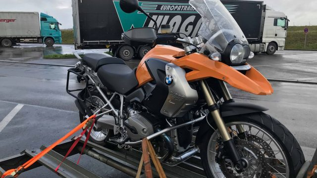 Are you buying a motorcycle? Few steps and advices to follow.