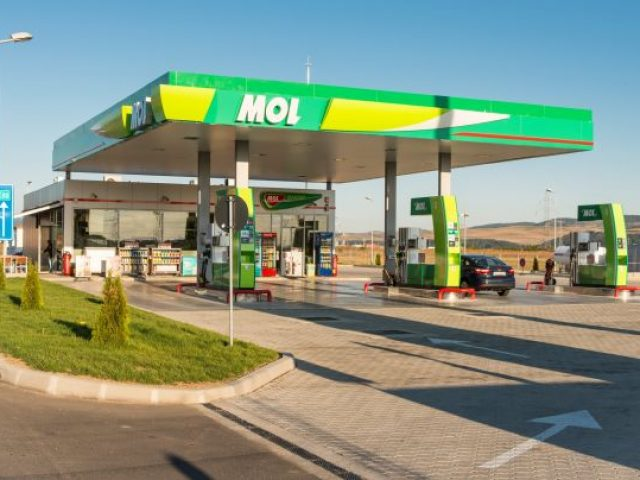 MOL Gas Station