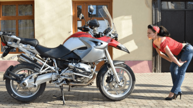 Motorcycle vs 10 psychologists?  Part 2 ( the battle result )